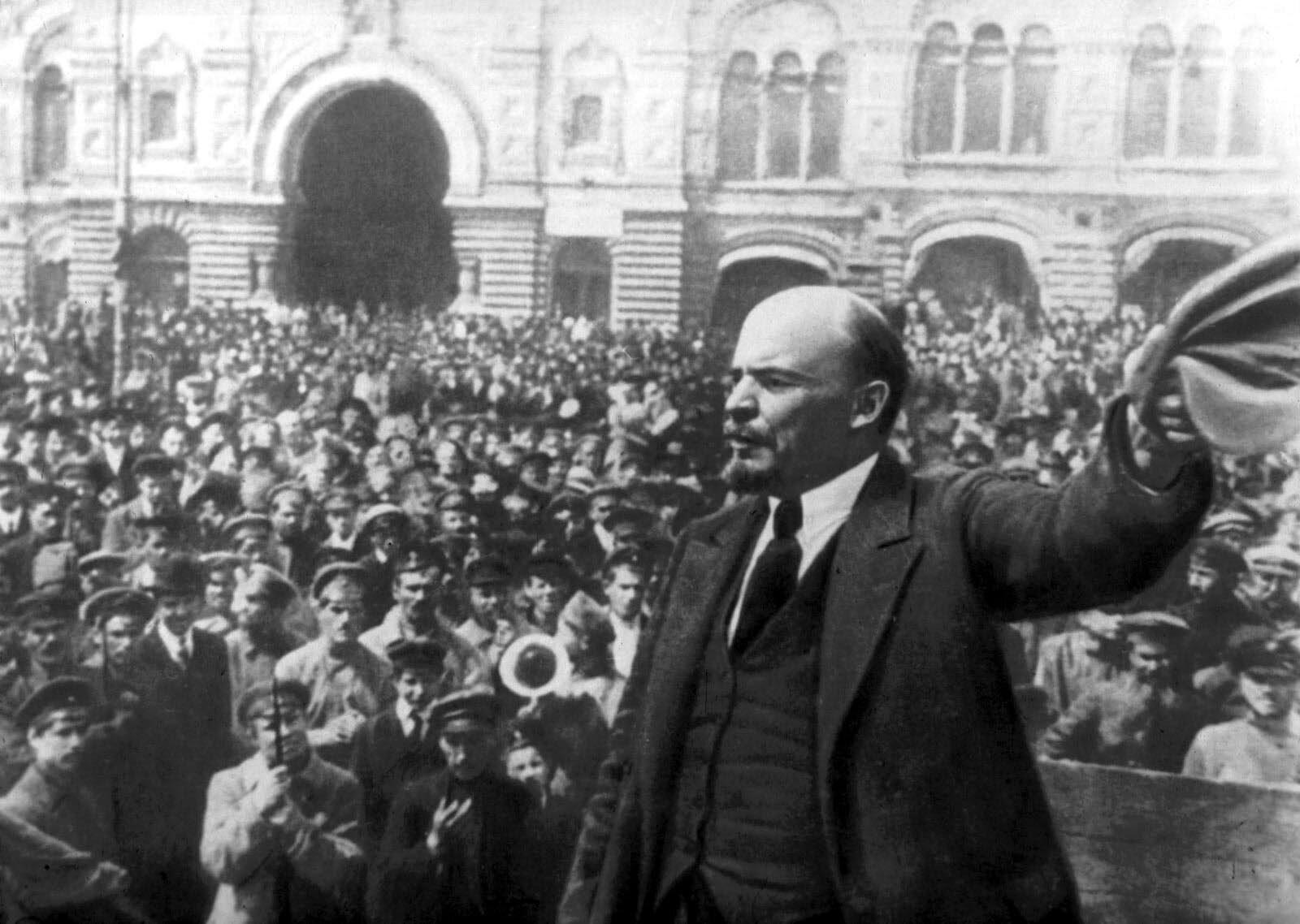İngiltere ve Fransa, Çanakkale'yi geçemediği için müttefiki Çarlık Rusya'ya yardım edememiş ve Rusya'da koskoca bir rejim son buldu.